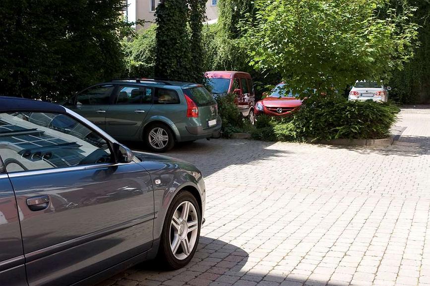 Best Western Plus Hotel Excelsior - Parking lot