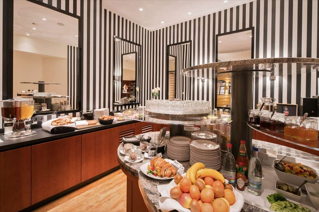 Best Western Plus Hotel Excelsior - Breakfast Area