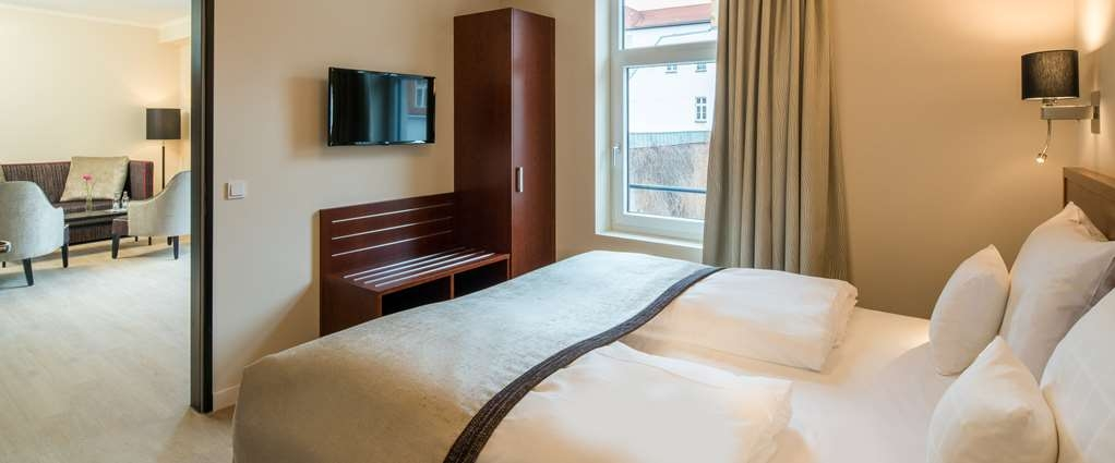 Best Western Plus Hotel Excelsior - Guest room