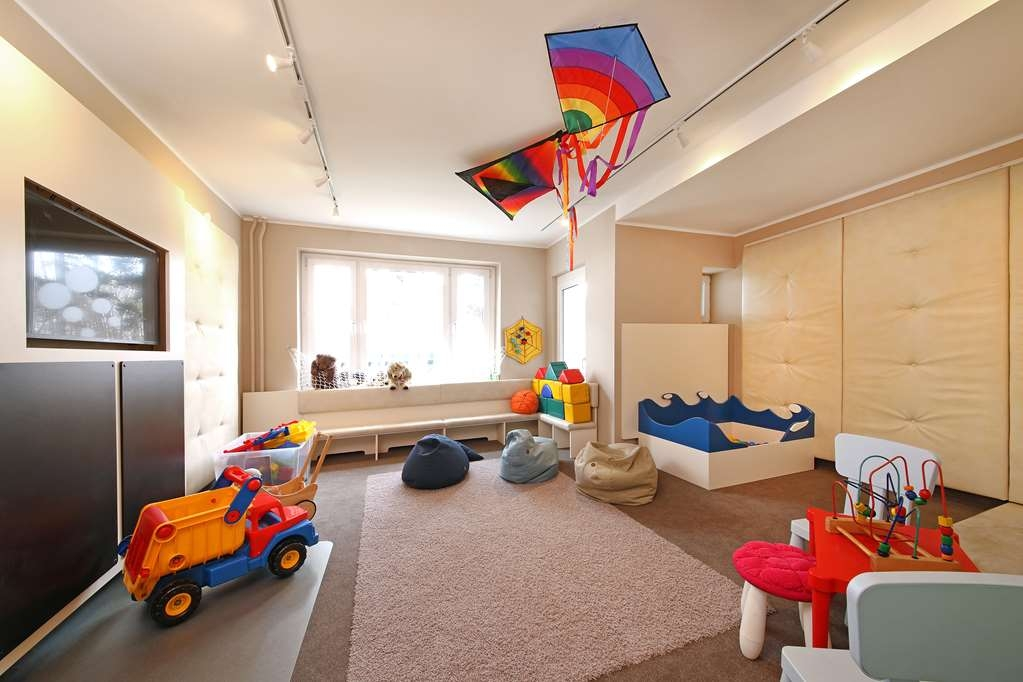 Best Western Hanse Hotel Warnemuende - Playroom for children