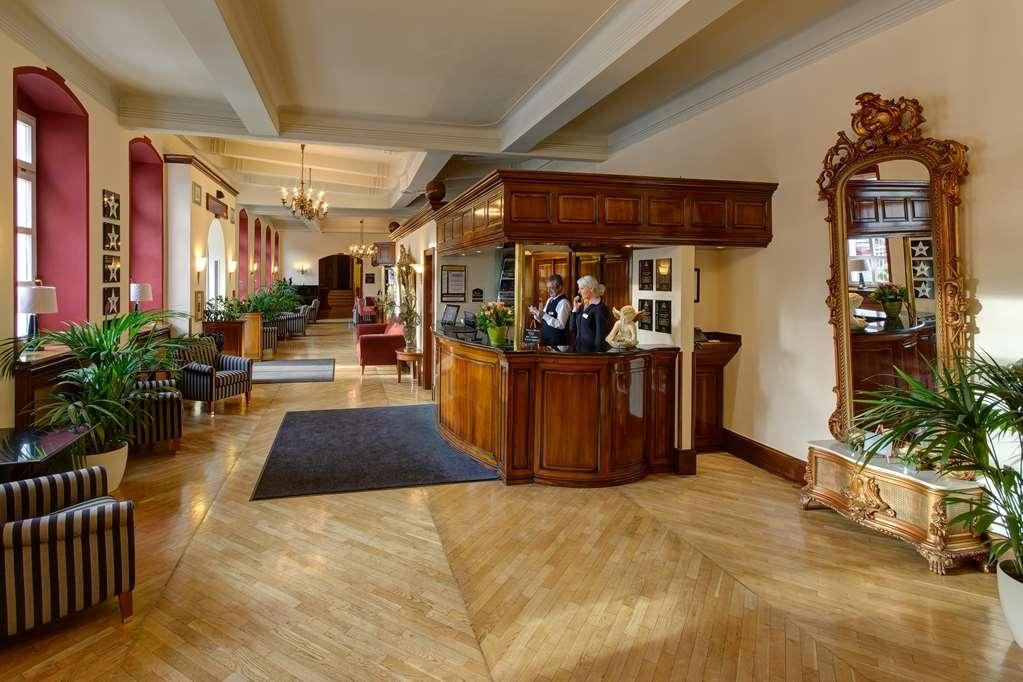 Best Western Premier Parkhotel Engelsburg - reception