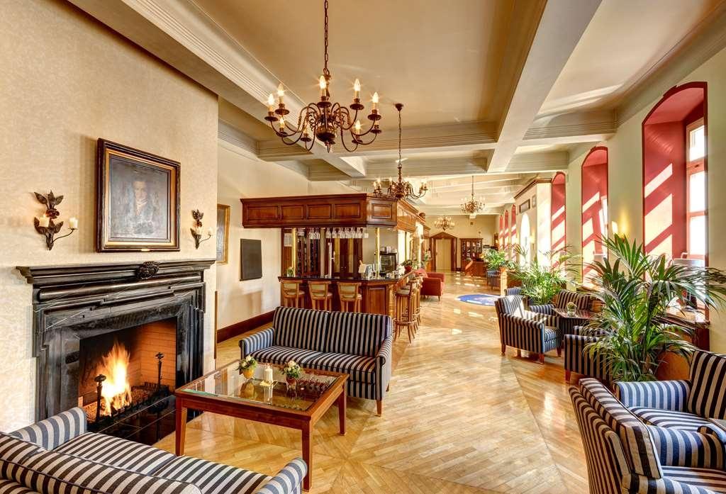 Best Western Premier Parkhotel Engelsburg - Vista del vestíbulo