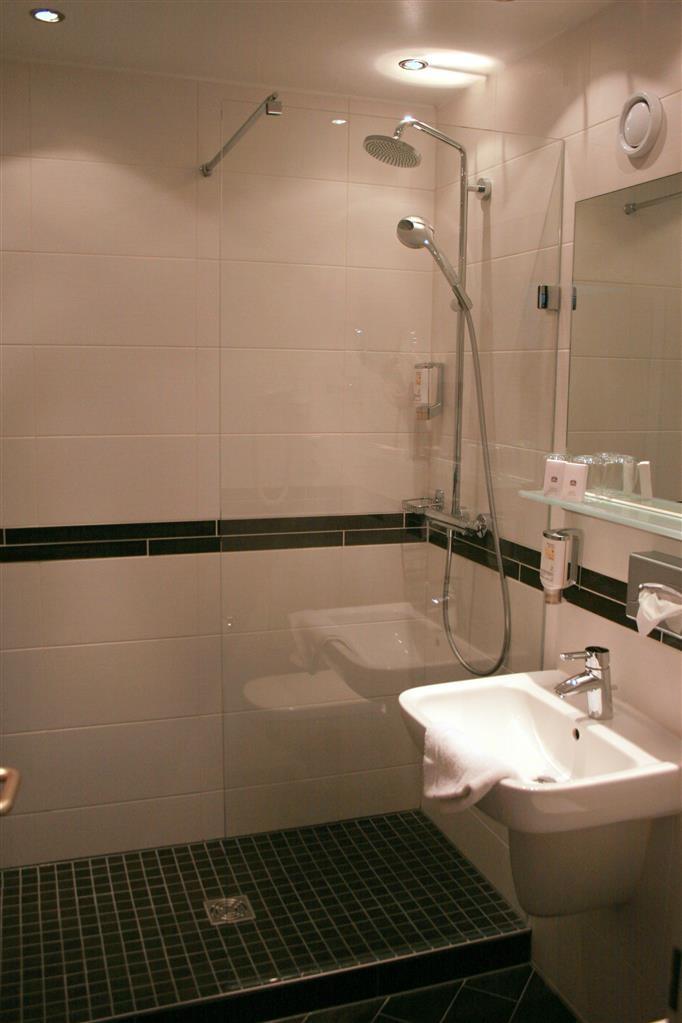 Best Western Hotel Jena - Guest Bathroom