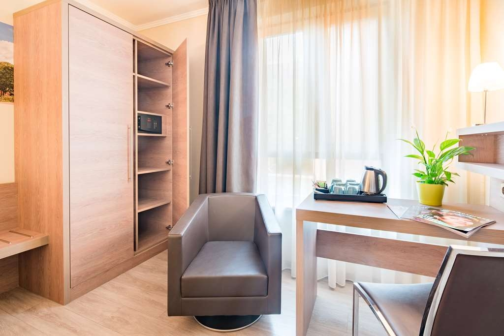 Best Western Hotel Kantstrasse Berlin - Guest room amenity