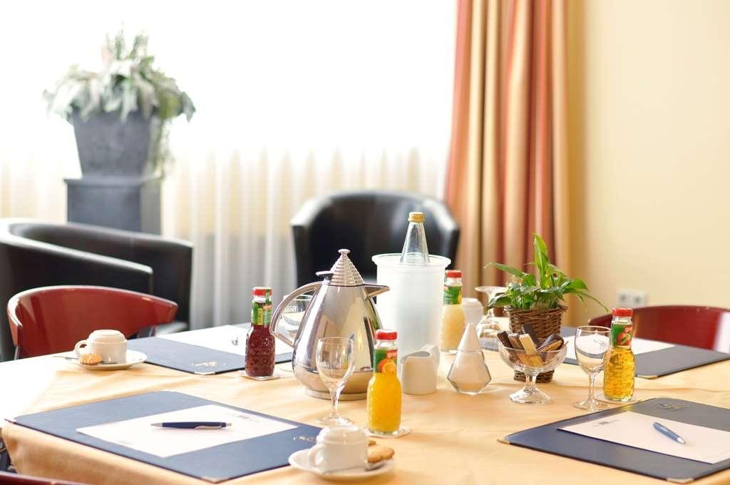 Best Western Hotel Prisma - Restaurant / Etablissement gastronomique