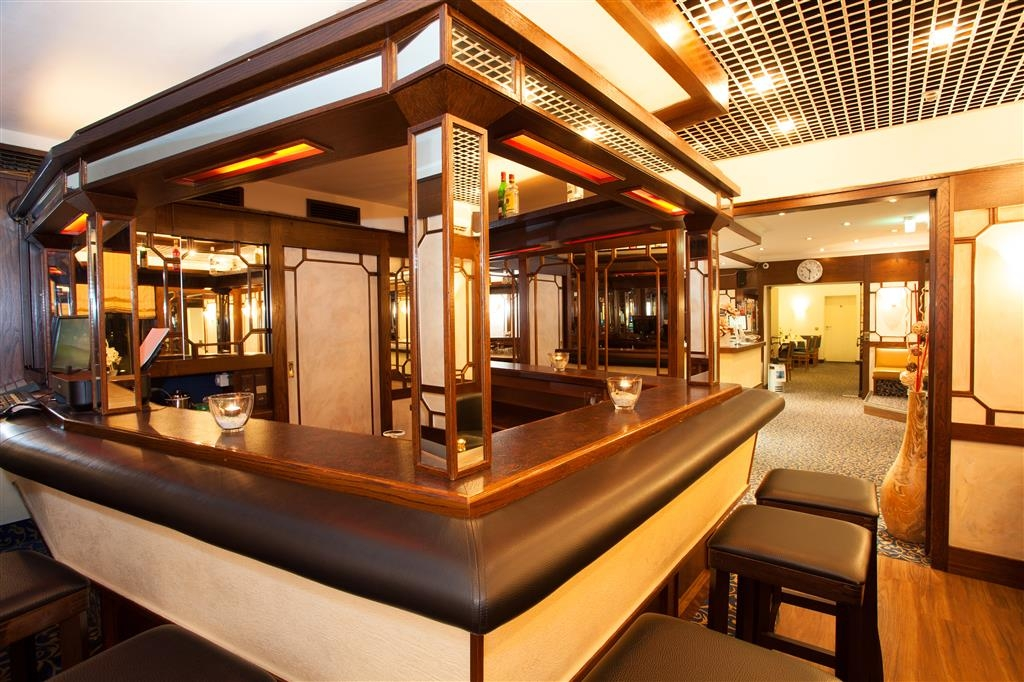Best Western Ambassador Hotel - Bar