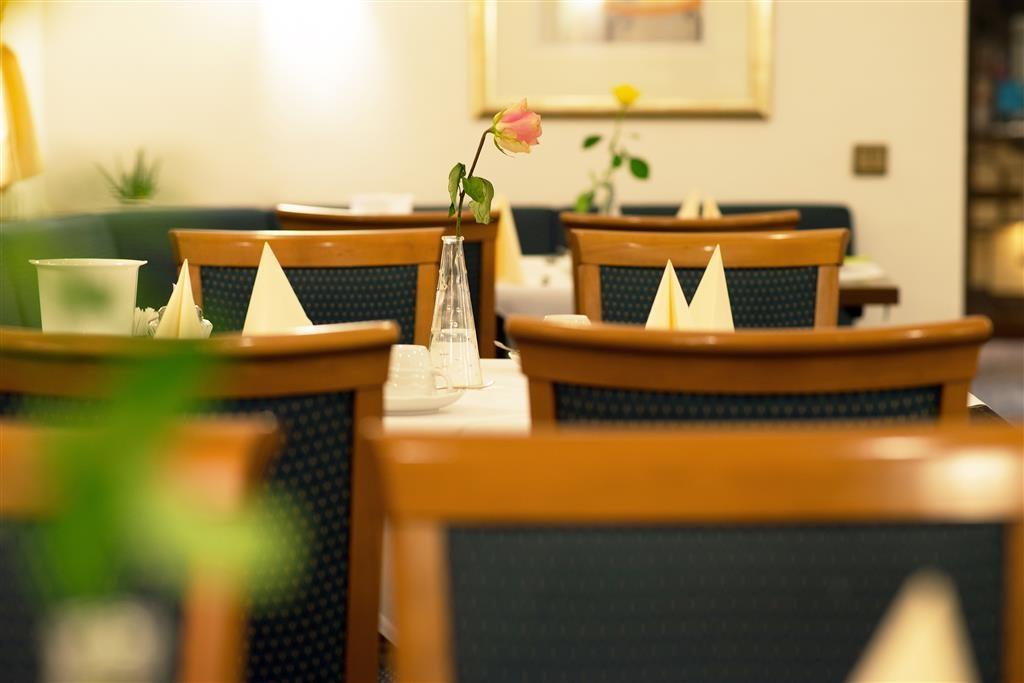 Best Western Ambassador Hotel - Restaurante