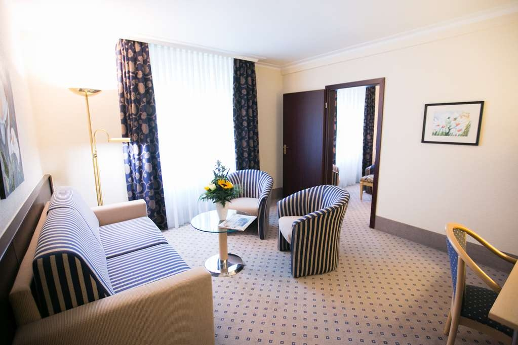Best Western Plus Crown Hotel - Suite