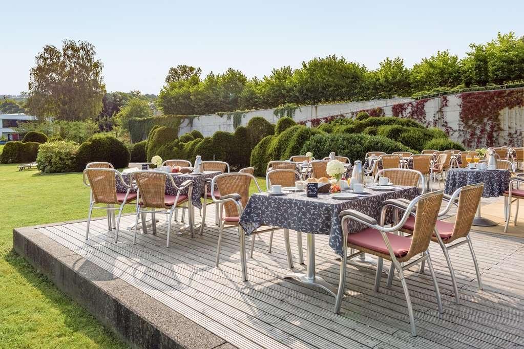 Best Western Hotel Am Schlosspark - Restaurant patio