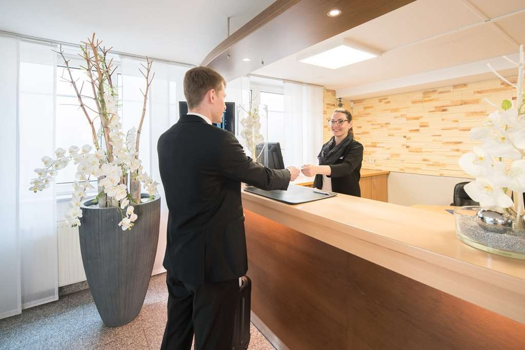 Best Western Hotel Muenchen Airport - reception