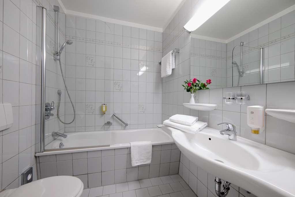 Best Western Hotel Hamburg International - Baño