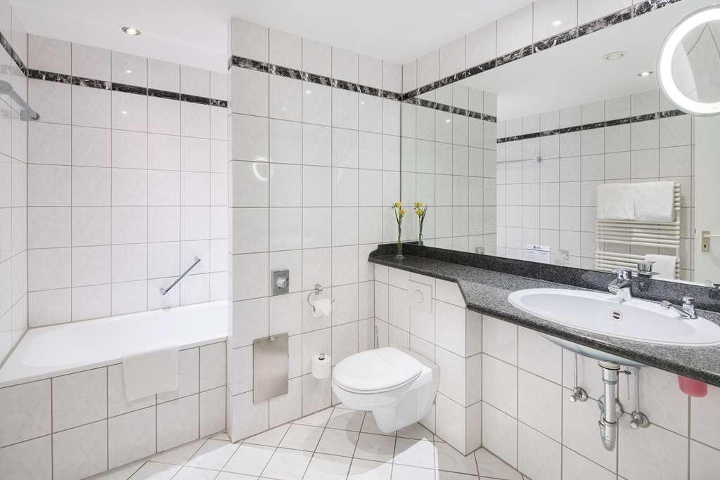Best Western Wein-und Parkhotel Nierstein - Bathroom