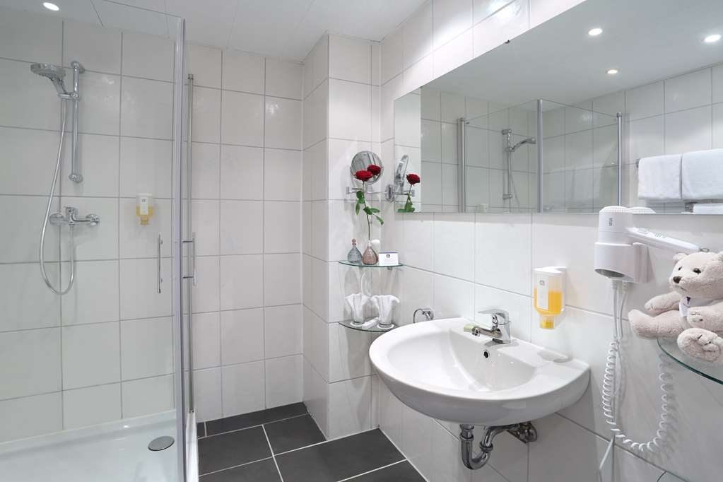 Best Western Hotel Rosenau - Guest Bathroom
