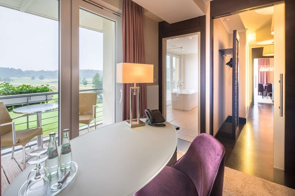 Best Western Premier Castanea Resort Hotel - Golf View Suite