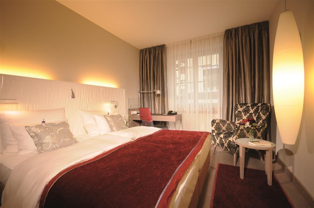 Best Western Premier Hotel Victoria - Guest Room
