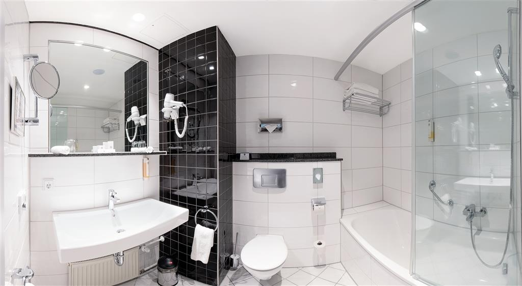 Best Western Plus Palatin Kongress Hotel - Guest Bathroom