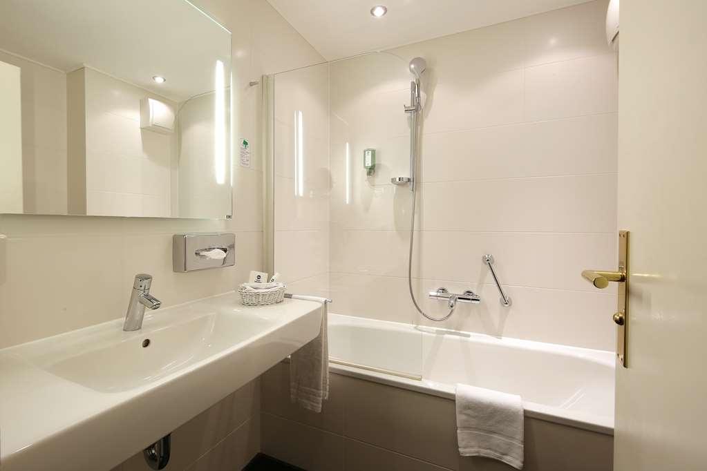 Best Western Premier Hotel Alte Muehle - Guest bathroom