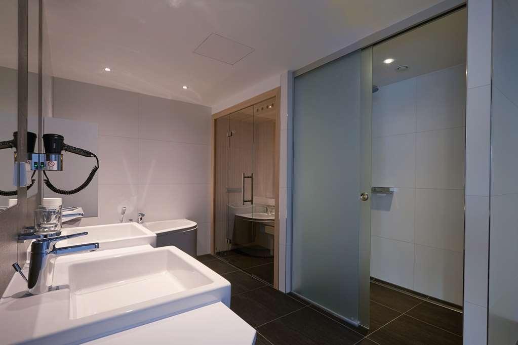 Best Western Premier Hotel Alte Muehle - Bathroom
