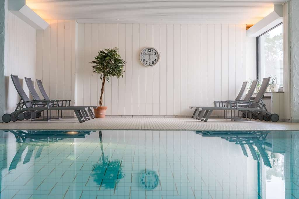 Best Western Premier Seehotel Krautkraemer - Vue de la piscine
