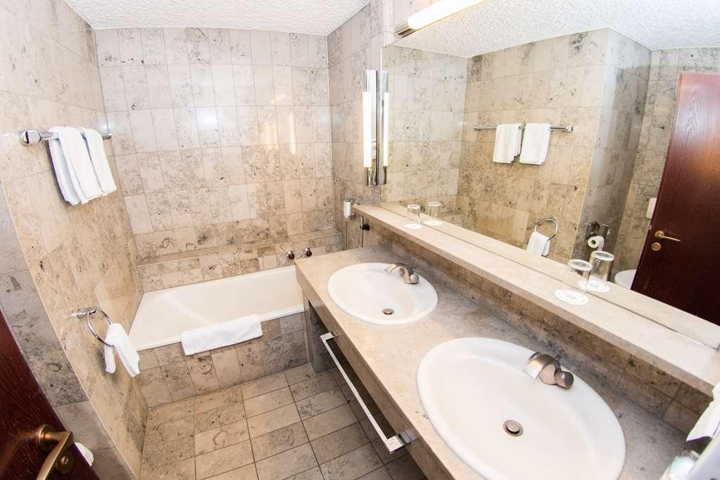 Best Western Hotel Stuttgart 21 - Bathroom