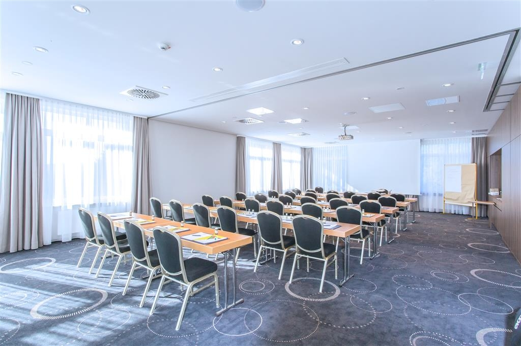 Best Western Queens Hotel Pforzheim-Niefern - Salle de réunion