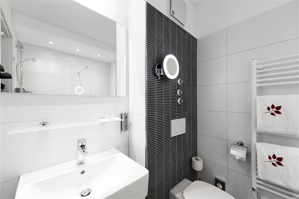 Best Western Plus Parkhotel Velbert - Guest Bathroom
