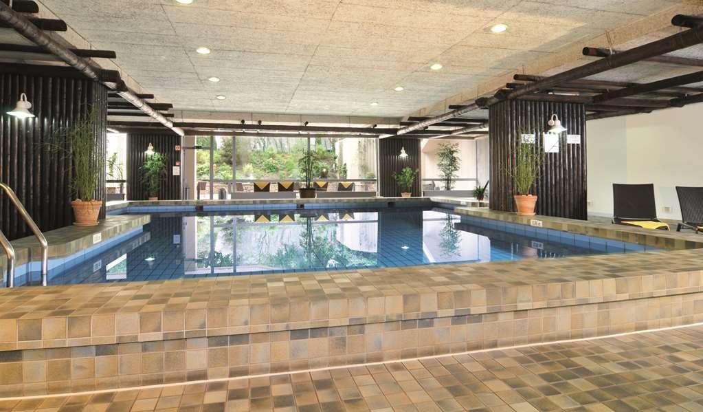 Best Western Leoso Hotel Leverkusen - Vue de la piscine