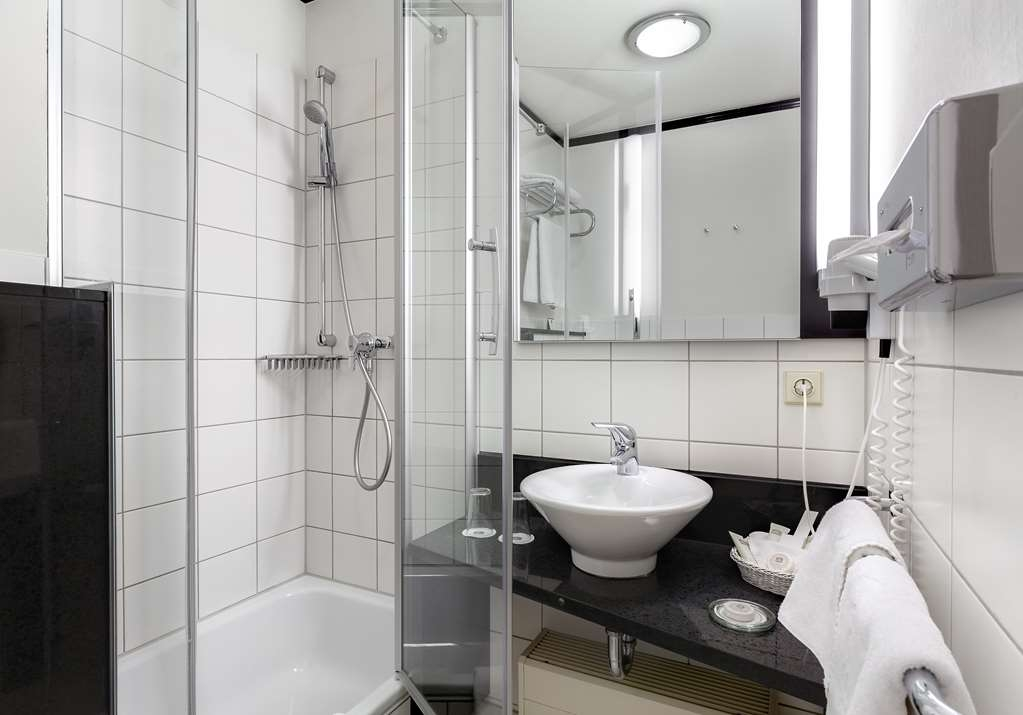 Best Western Hotel Nuernberg City West - Guest Room bath