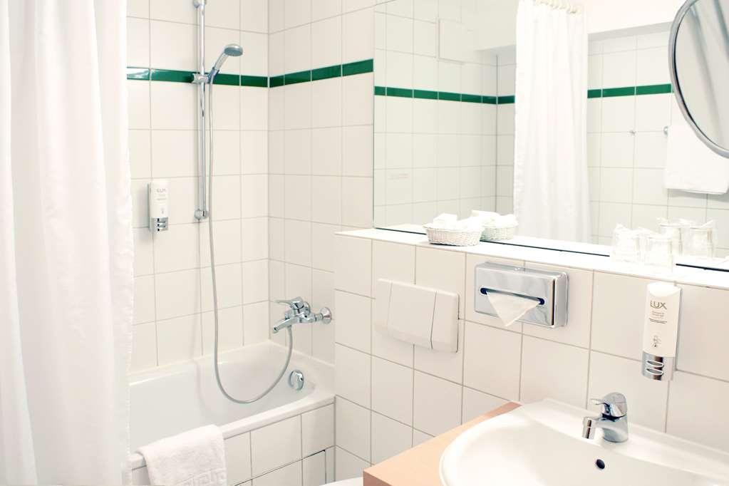Best Western Macrander Hotel Dresden - Guest room bath