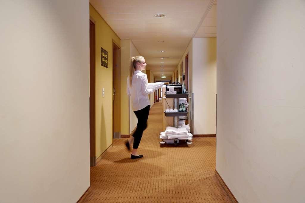 Best Western Macrander Hotel Dresden - Corridor