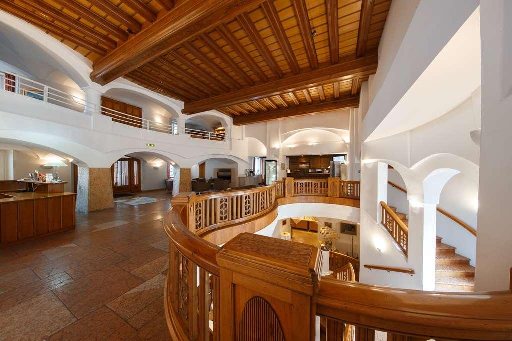 Best Western Premier Bayerischer Hof Miesbach - Vista del vestíbulo