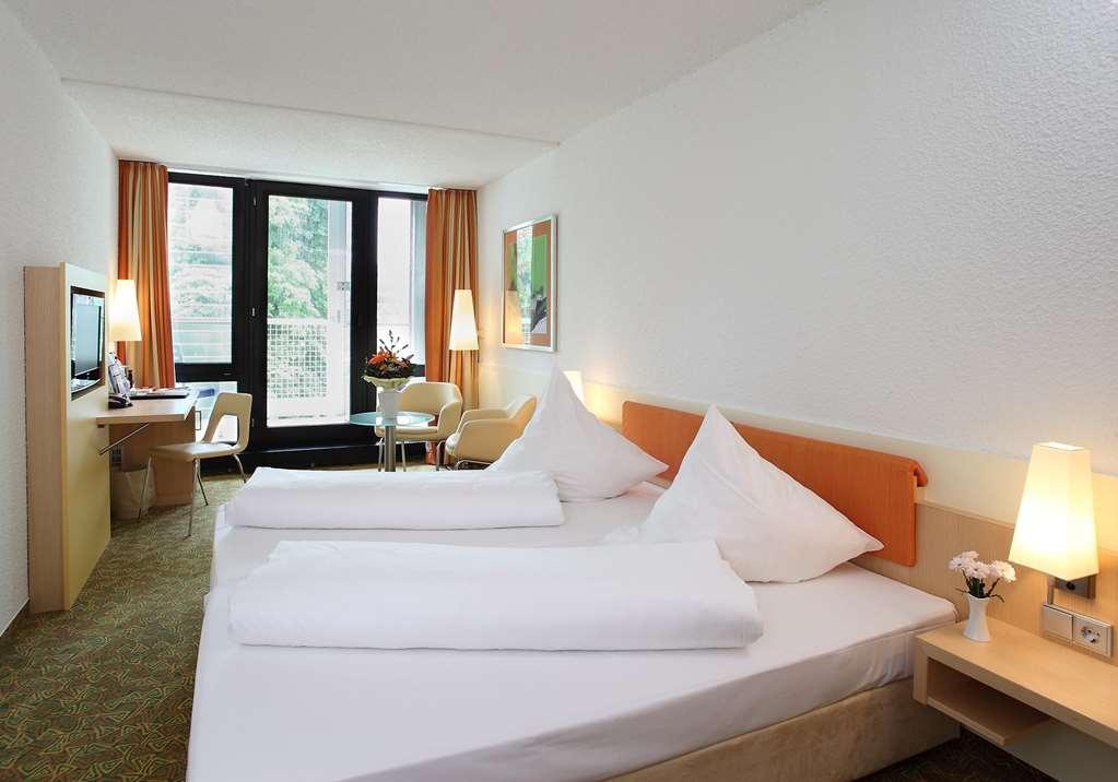 Best Western Premier Parkhotel Bad Mergentheim - Business Two Twin Bed Guest Room