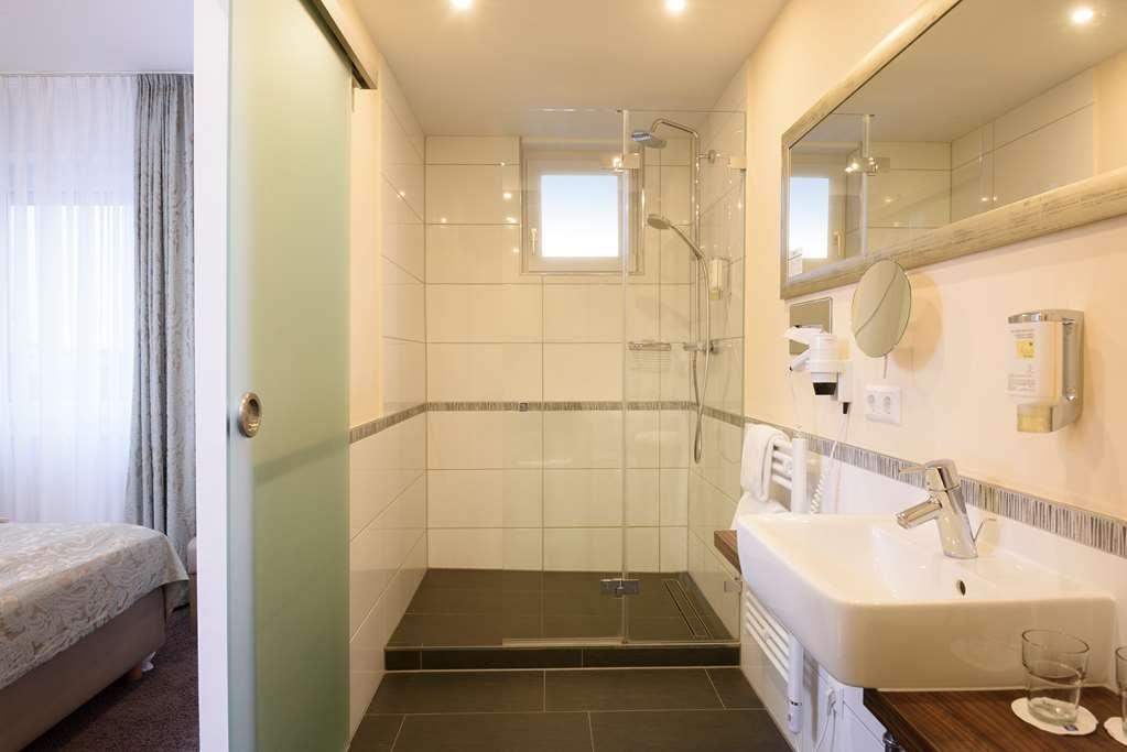 Best Western Hotel Lamm - Suite Bathroom