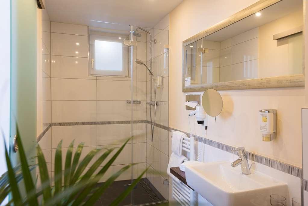 Best Western Hotel Lamm - Guest Bathroom