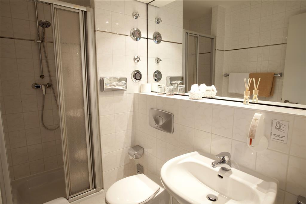 Best Western Hotel Quintessenz-Forum - Gästebad