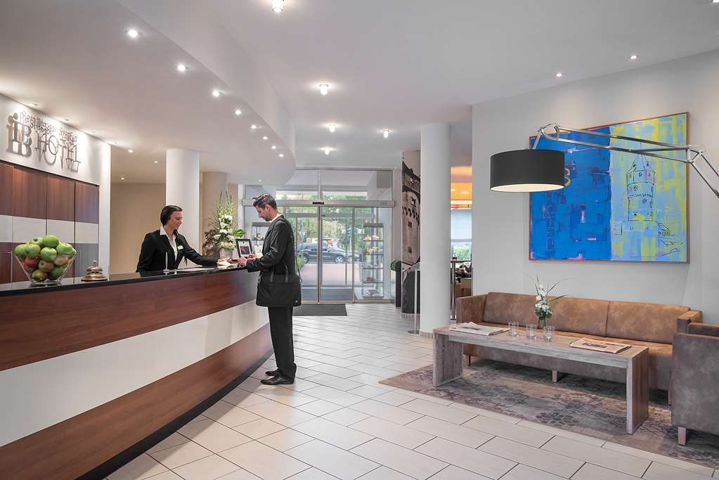 Best Western Premier IB Hotel Friedberger Warte - Vista del vestíbulo
