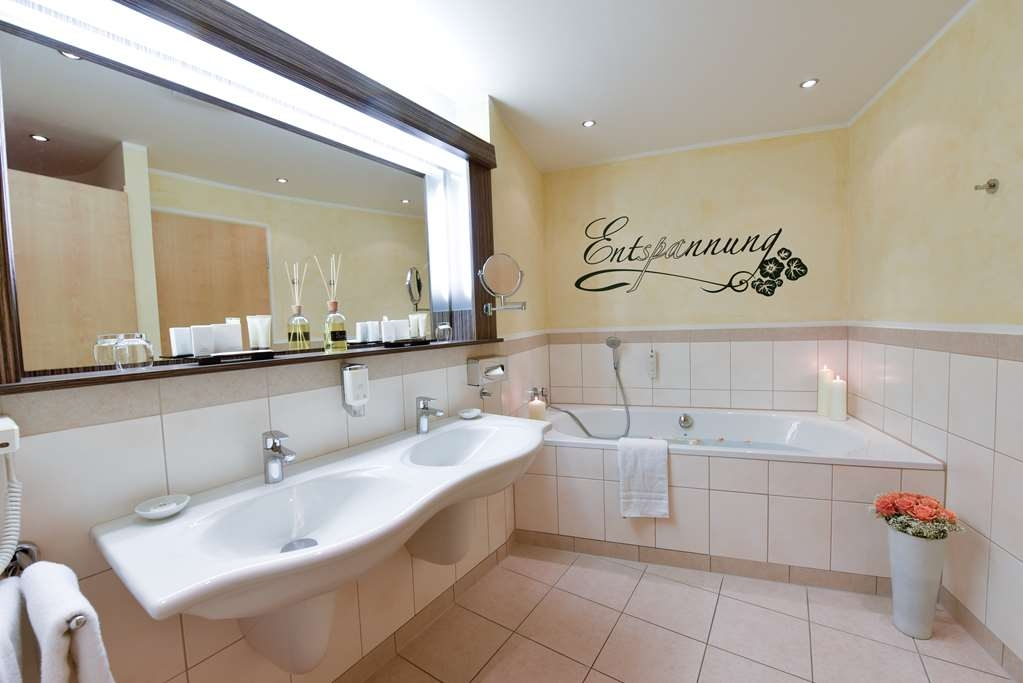 Best Western Plus Hotel am Vitalpark - Guest room bath