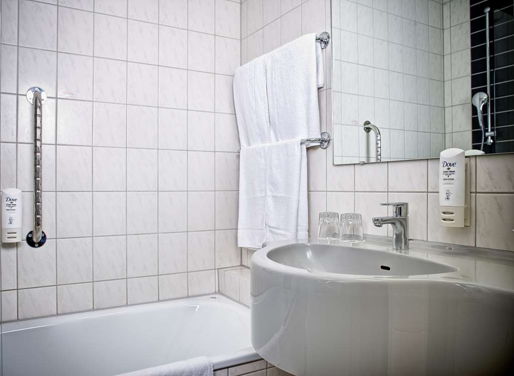Best Western Hotel Rastatt - Bathroom