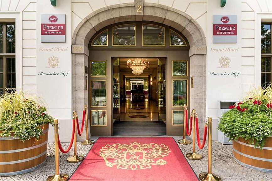 Best Western Premier Grand Hotel Russischer Hof - Aussenansicht
