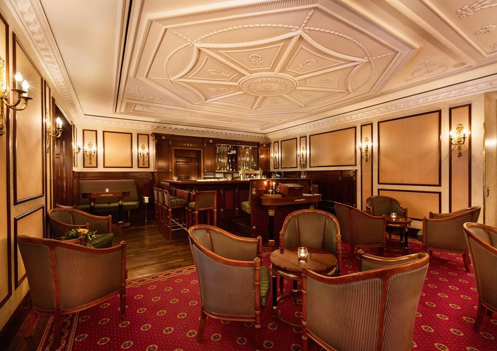 Best Western Premier Grand Hotel Russischer Hof - Bar / Lounge