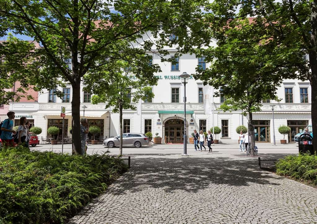 Best Western Premier Grand Hotel Russischer Hof - Façade