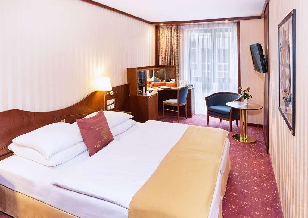 Best Western Premier Grand Hotel Russischer Hof - Guest Room