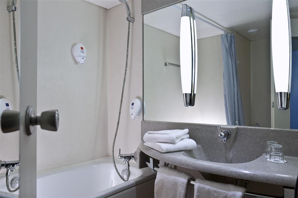 Best Western Hotel Achim Bremen - Guest Bathroom