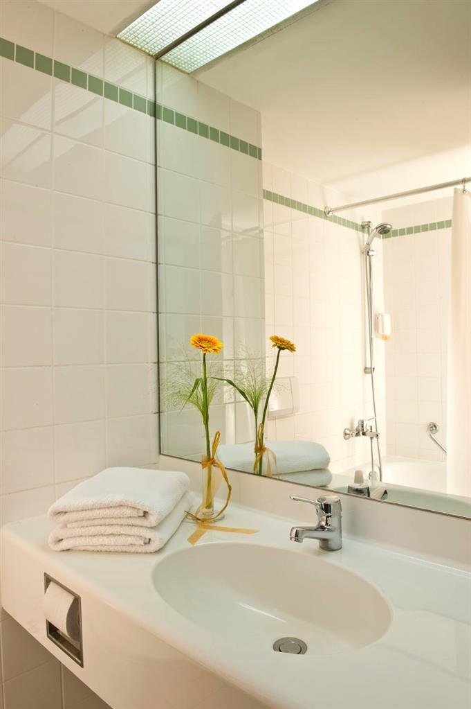 Best Western Hotel Dasing Augsburg - Cuarto de baño de clientes