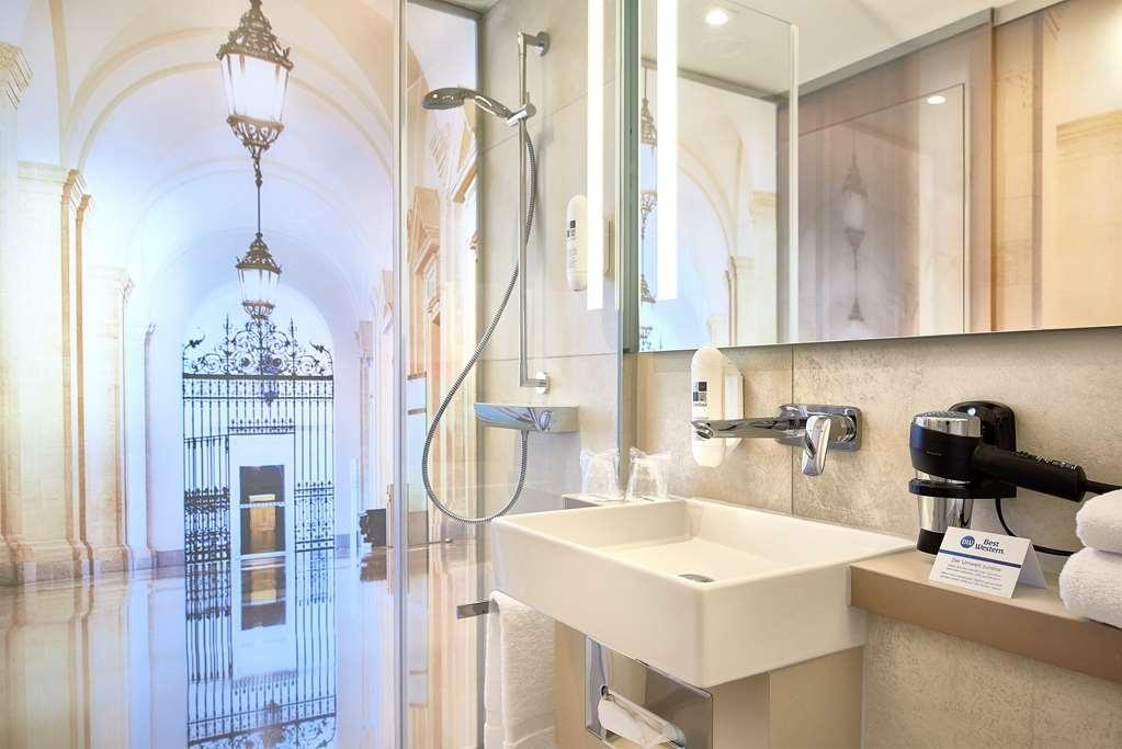 Best Western Hotel Leipzig City Center - Guest Bathroom