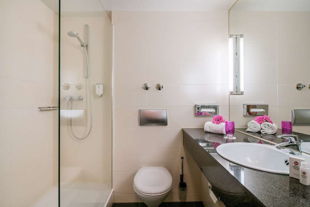 Best Western Plus Hotel Fellbach-Stuttgart - guest room bath