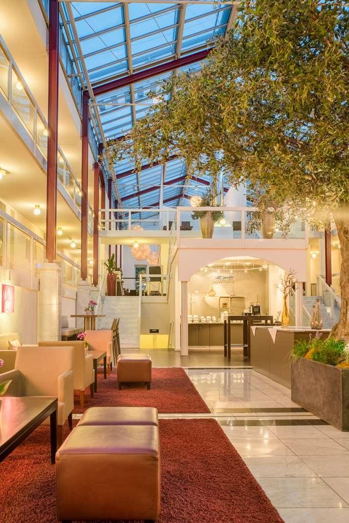 Best Western Plus Hotel Fellbach-Stuttgart - Vista del vestíbulo