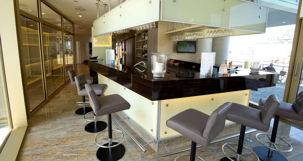 Best Western Plus Hotel Bremerhaven - Bar/Salón