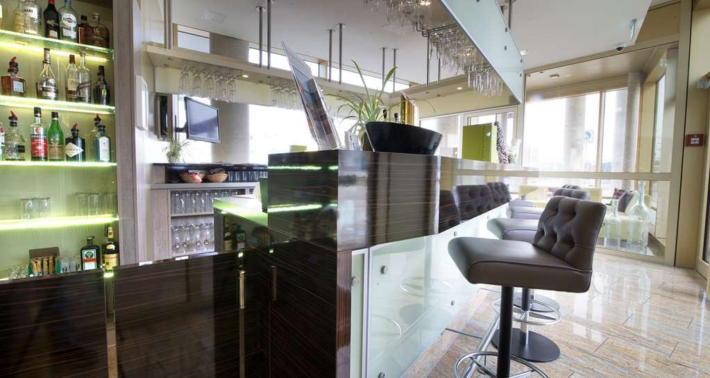 Best Western Plus Hotel Bremerhaven - Bar / Lounge