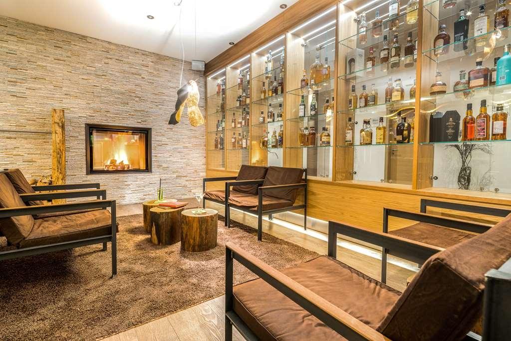 Best Western Plus iO Hotel - Vista del vestíbulo